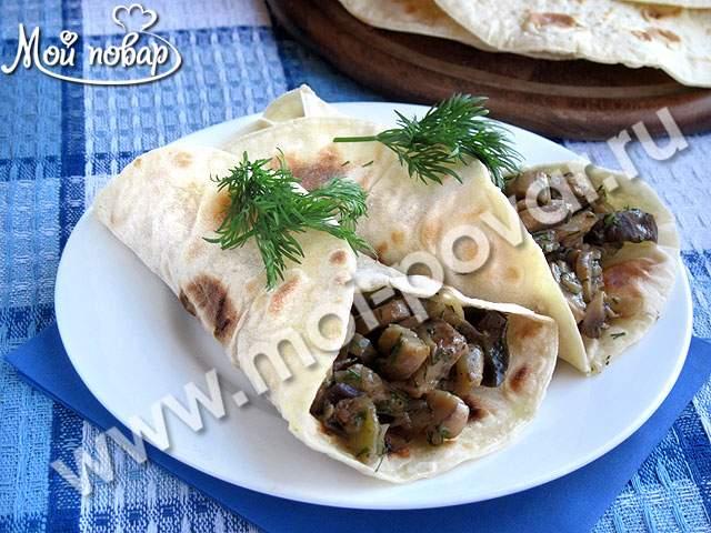 Тортилья с начинкой из грибов и баклажанов